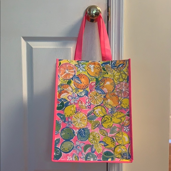 Lilly Pulitzer Handbags - Lily Pulitzer Reusable Shopping Bag 🌸🍋🛍